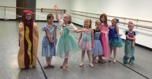 En la semana de las princesas, esta niña eligió disfrazarse de Hot Dog