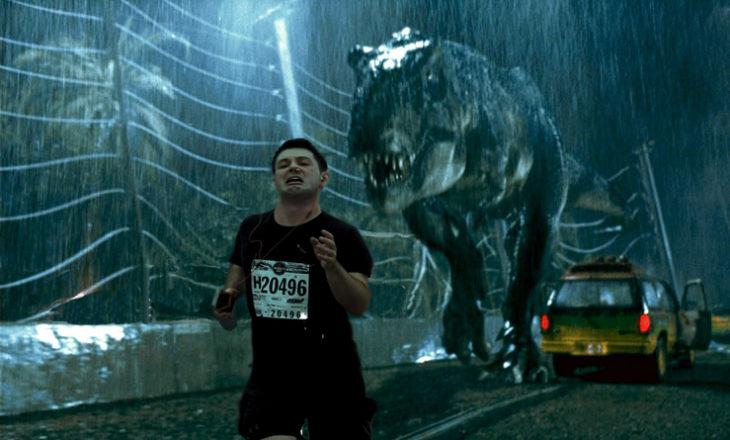 Maratonista con tapón en la nariz en escena de Jurassic Park