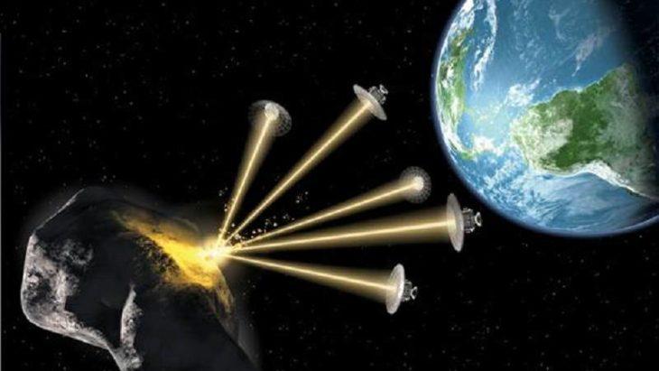 Satélites destruyendo asteroides