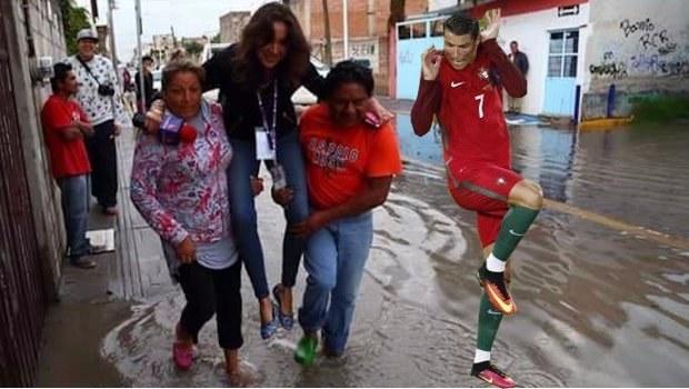 ronaldo con sus zapatos