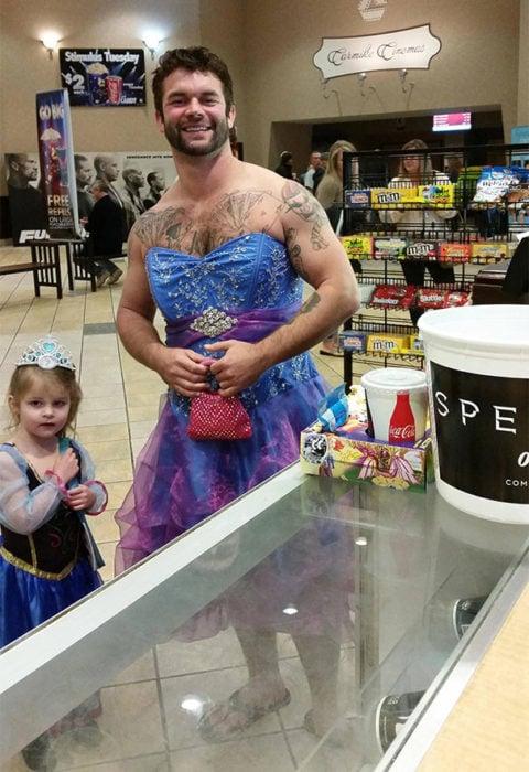 Papá vestido de princesa