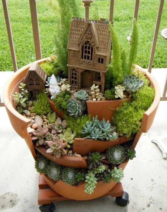 jardín miniatura de maceta rota 9