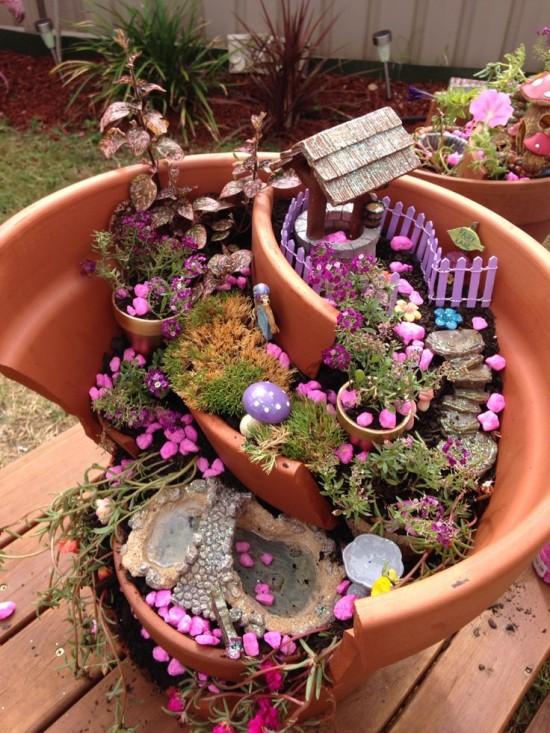 Jardines miniatura hechos de macetas rotas vas a querer uno for Macetas grandes para jardin