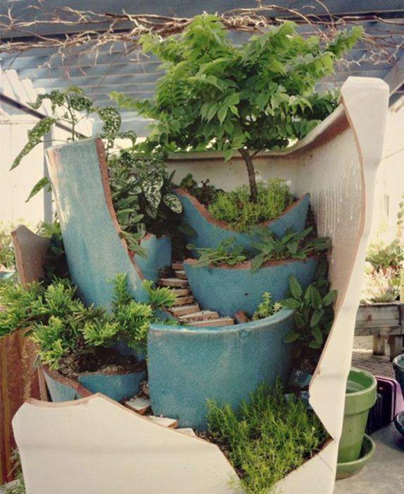 jardín miniatura de maceta rota 17