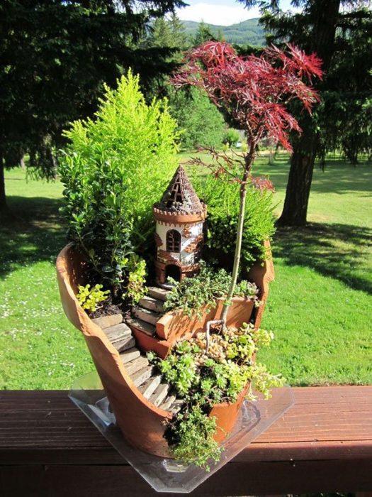 jardín miniatura de maceta rota 14