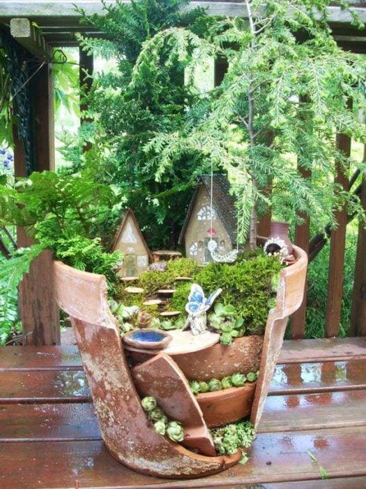 jardín miniatura de maceta rota 12