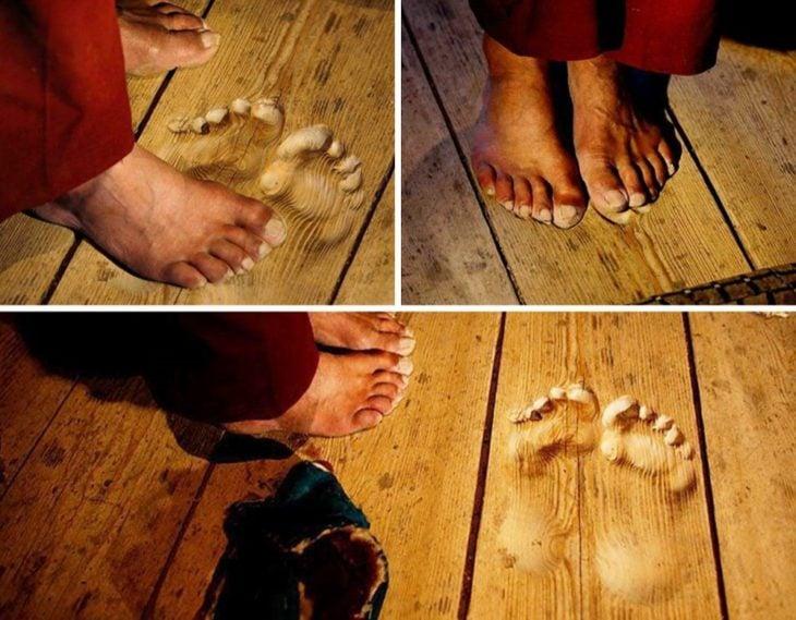 Pies marcados en piso