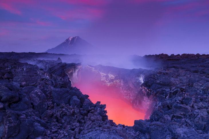 Volcán con entrada enorme