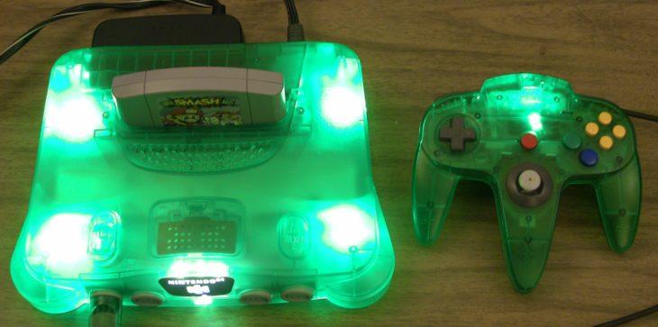 Nintendo 64 con luces