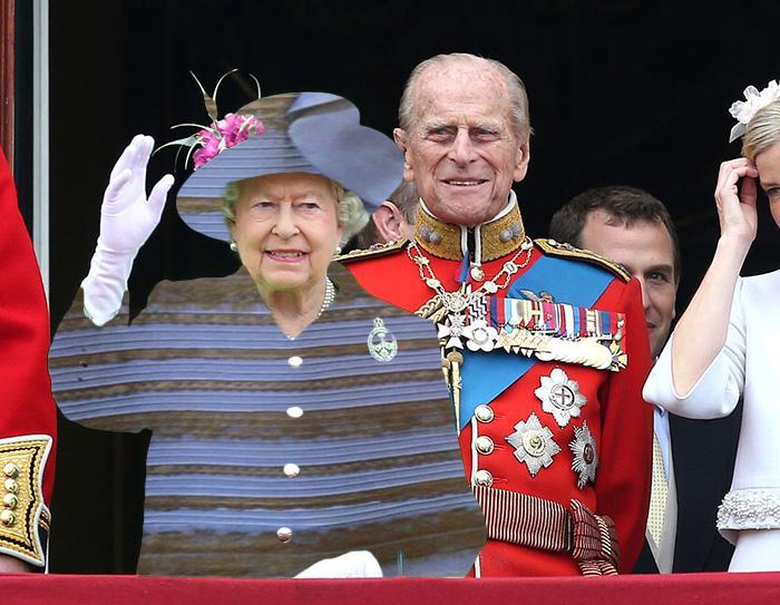 Batalla Photoshop: Reina Isabel II usando el famoso vestido azul o dorado