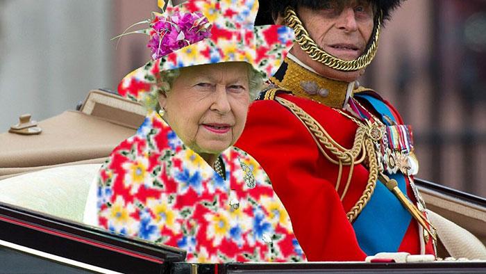 Batalla Photoshop: Reina Isabel II usando un vestido de flores