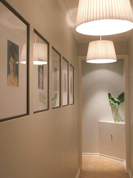 Pasillo de casa con luz