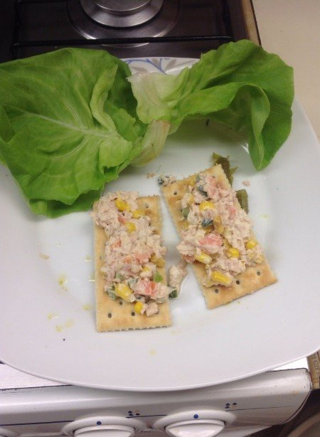 Situaciones estudihambre. Galletas saladas con atún