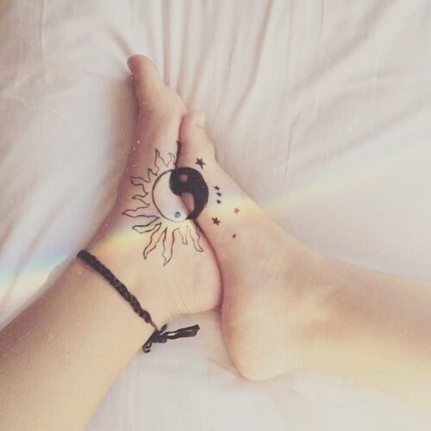 Tatuajes en pies de Yin yang