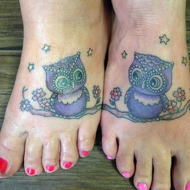 Tatuajes de búhos en pie