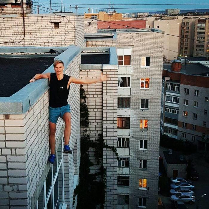 Joven ruso antes de caer