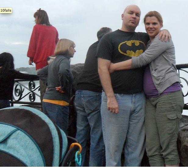 pareja en cataratas del Niágara