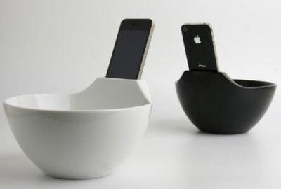 Plato de cereal con una parte para poner el celular