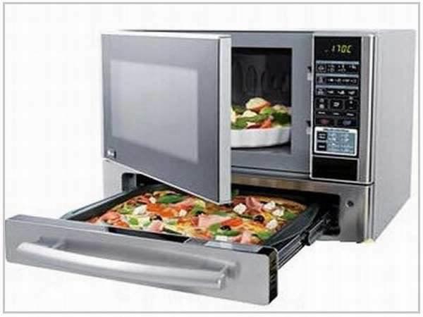 Horno de microondas con un horno en la parte de abajo