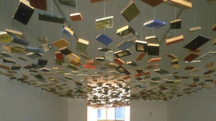 libros flotando
