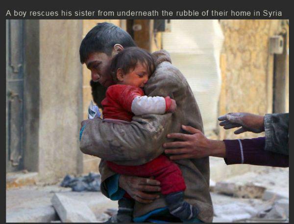 señor abrazando a niña