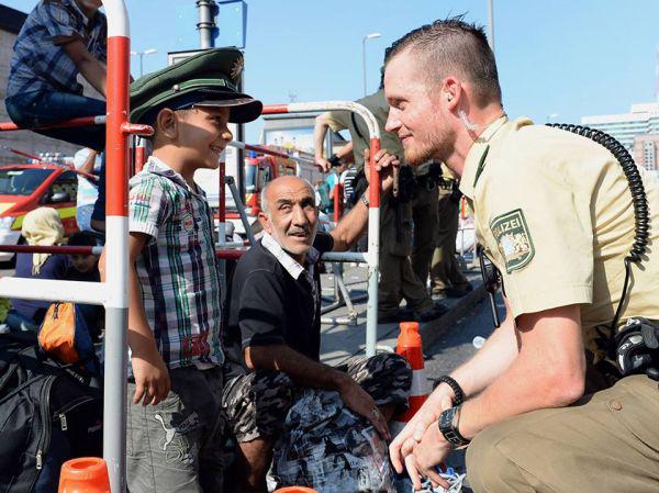 soldado con niño