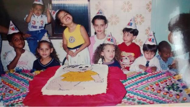 Fotografía de niños en fiesta de cumpleaños