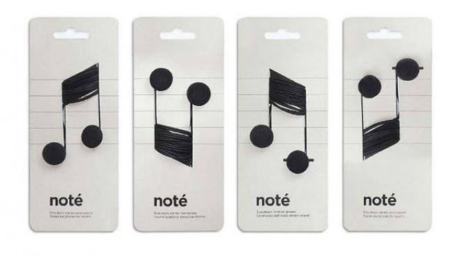 empaque de audífonos que simulan notas musicales