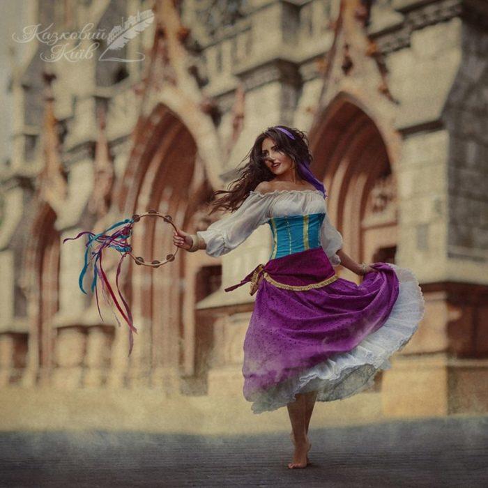 """Fotografía de """"Mágico Kiev"""" de Esmeralda del cuento de Jorobado de Notre Dame"""