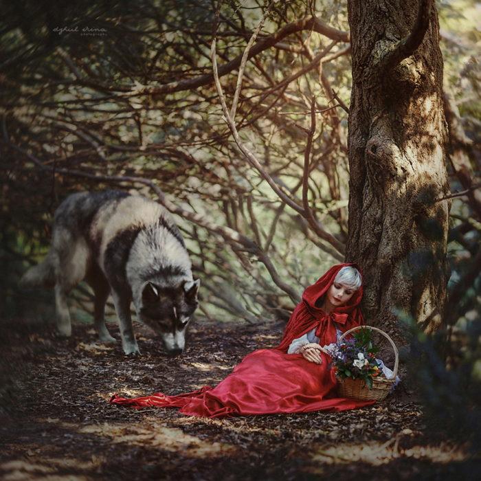 """Fotografía de """"Mágico Kiev"""" del cuento de caperucita roja y el lobo"""