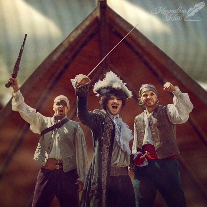 """Fotografía de """"Mágico Kiev"""" del cuento Peter Pan el capitán Garfio y sus piratas"""