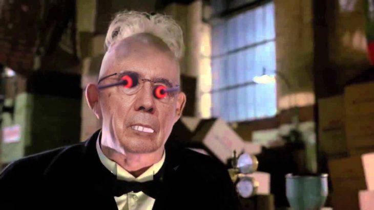 Henrique Mirelles como Juez Doom