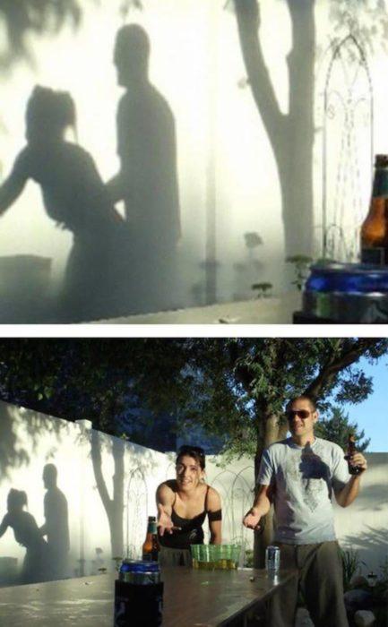 Fotos recortadas: Dos personas jugando en una mesa, la sombra parece que están haciendo otra cosa