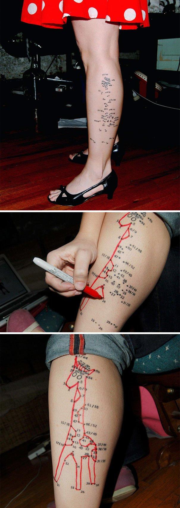 Tatuaje de una figura escondida en los números