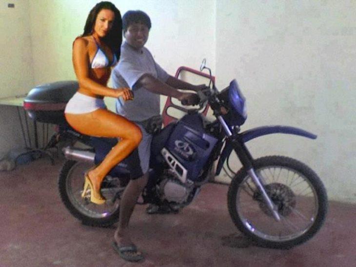 Pareja en moto photoshop fail