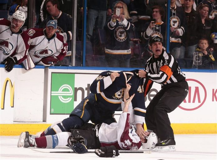 pleito en partido de Hockey