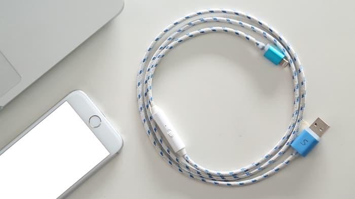 Cable para cargar el celular