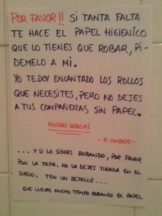 cartel no robarse el papel de baño