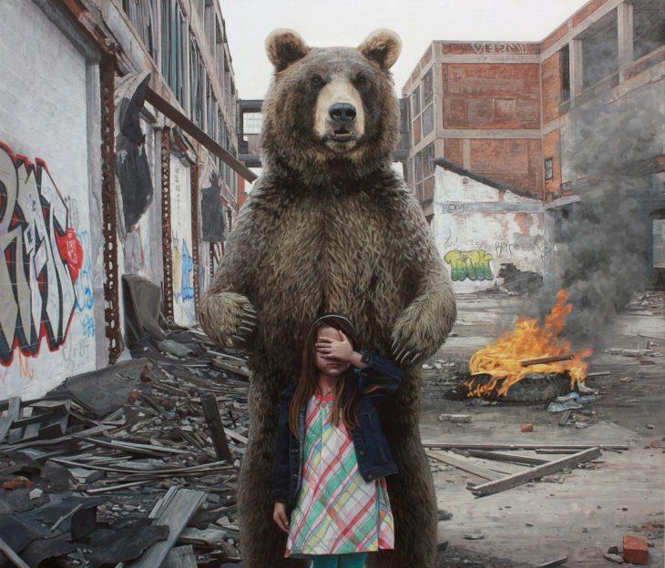 pintura niña y oso en la ciudad