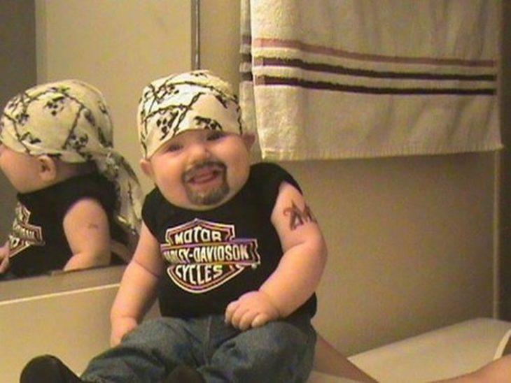 bebe motociclista