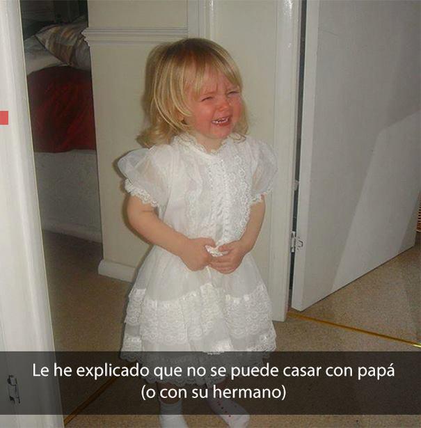niña con vestido blanco, llorando