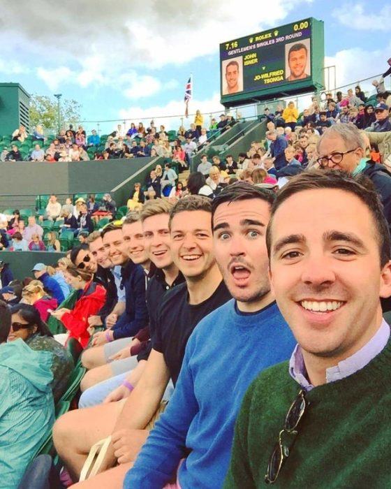 selfie amigos en partido
