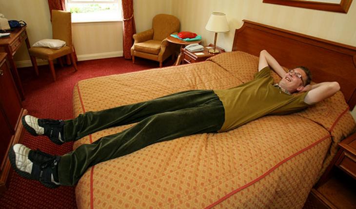 problemas de gente alta en la cama