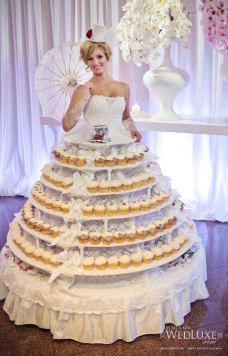 vestido hecho de cupcakes