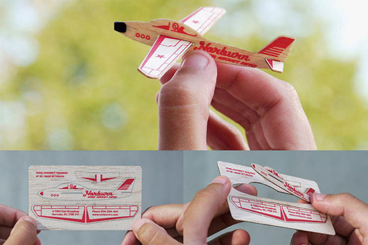 tarjeta de presentación maqueta de avión