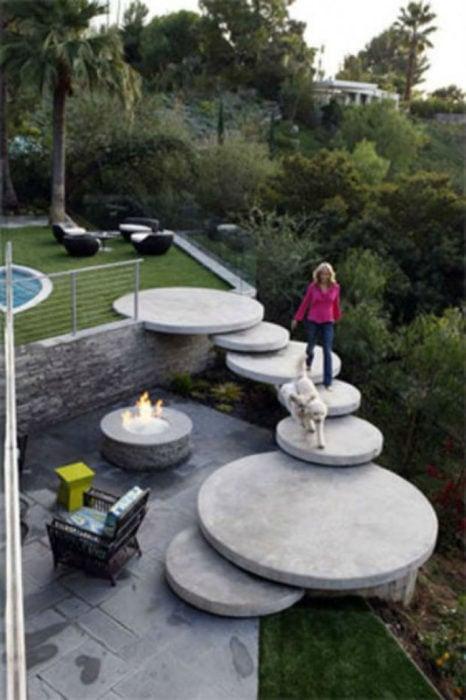 15 escaleras tan originales que desearás tener en tu casa