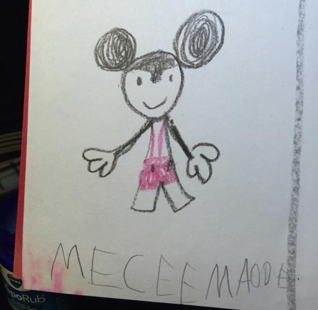 dibujo de micky mouse hecho por niño