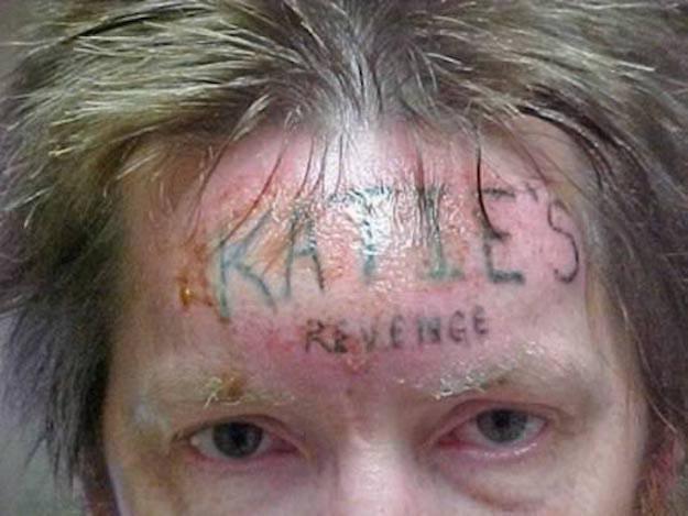 tatuje en la cara