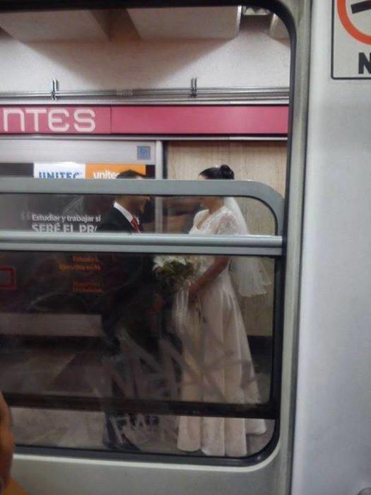 boda en el metro