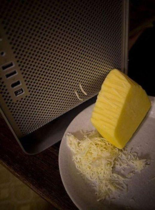 computadora como rallador de queso
